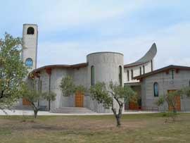 veduta piazzale Chiesa San Giovanni Battista de La Salle