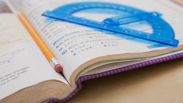 Libro scolastico